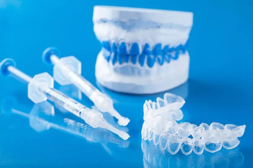individual set for teeth whitening silicone tray syringe
